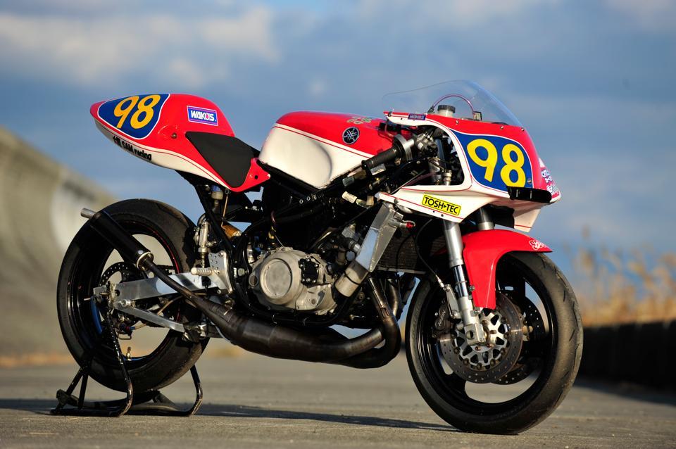 これが海野クンが自分で作ったマシンRZ350R。これで倍以上大きなバイクと戦っている。