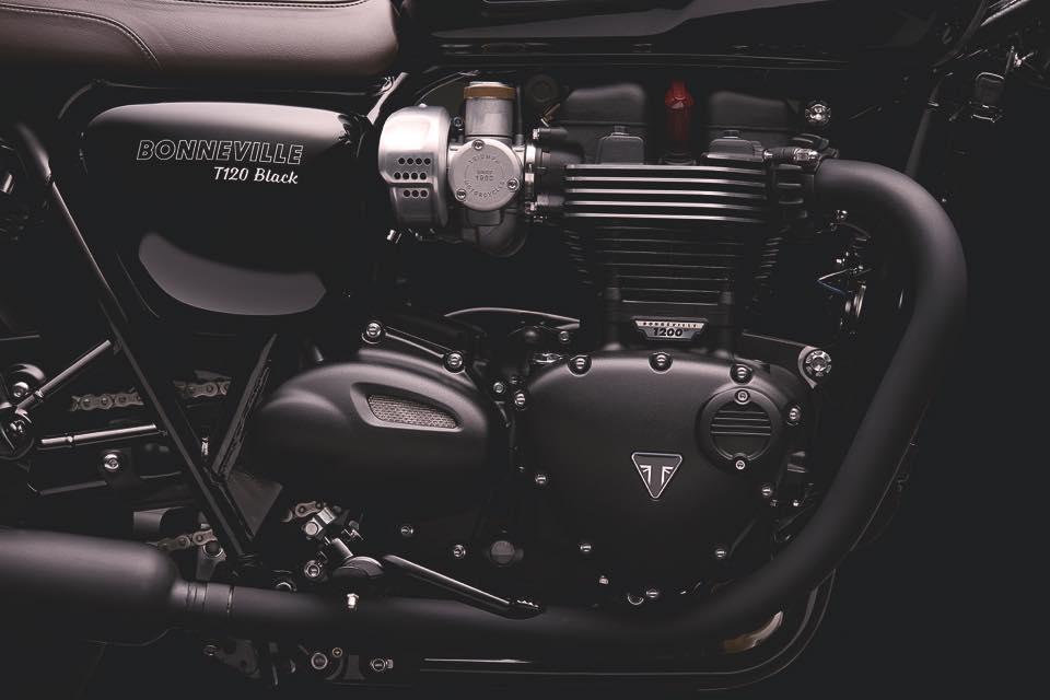 Bonneville_T120_Black_Details_Engine_Timing _side