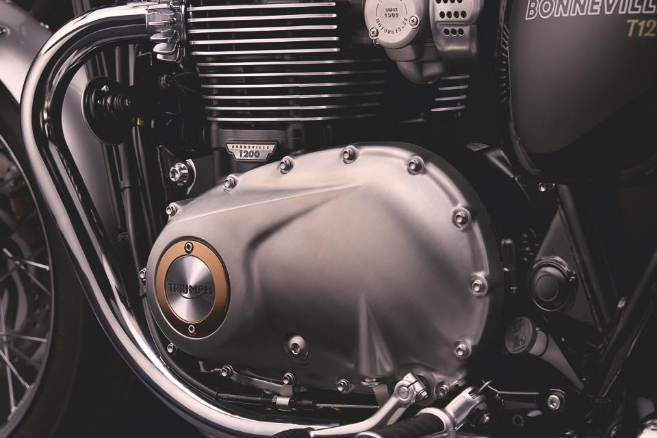Bonneville_T120_Details_Clutch_Cover