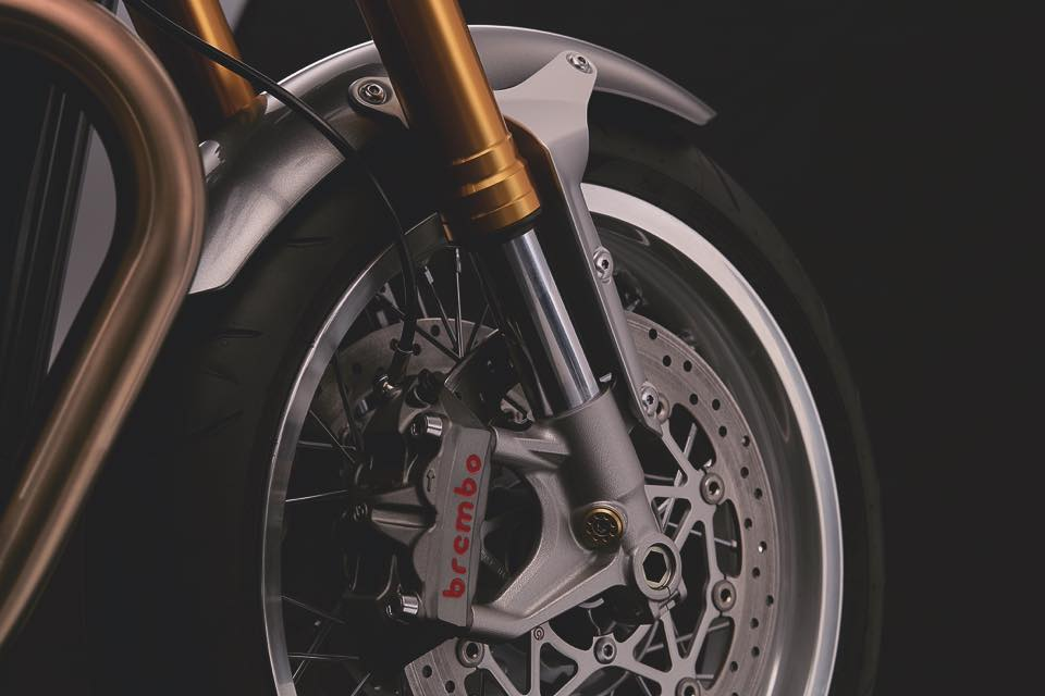 Thruxton_R_Detail_Front_Forks_Brake