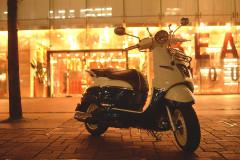 【映え】プジョー ジャンゴ125が可愛い!どこか懐かしいデザインだけど中身は最新の絵になるスクーター!