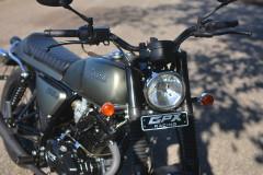 新車20万代で買えるGPX Legend150はいま一番安く乗れるストリートバイク?実車の迫力は想像以上だった!