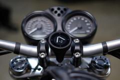 矢印目指して突っ走る!BeeLine Motoはナビと冒険が一個でできる革命的バイクナビ、日本でもついに販売開始!