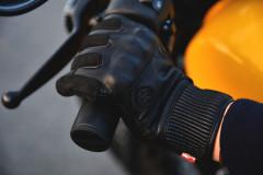 【キホンのキ】プロに聞いた、使い方で分けるグローブの種類!バイク用って色々考えられてるんです!