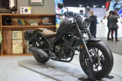 ホンダ レブル250 S Editionはおしゃれなカウル付き!アパレル展開まで派生する最新のストリートバイクになっていた!